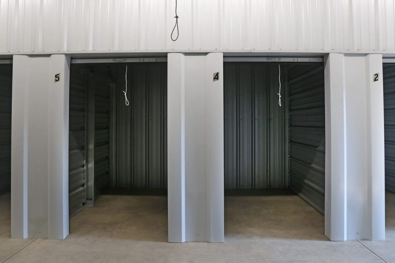 Small heated / ac self storage units Roseburg, OR